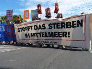 Moria: Sechs Stufen politischer Propaganda – Wie man unpopuläre Maßnahmen durchsetzt