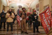War der Angriff auf das Kapitolgebäude eine falsche Flagge?